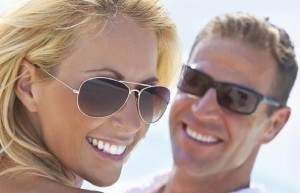 couple-wearing-sunglasses to protect from sunlight